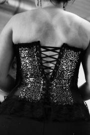 burlesque show kama korset