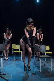 hat and can dance kama